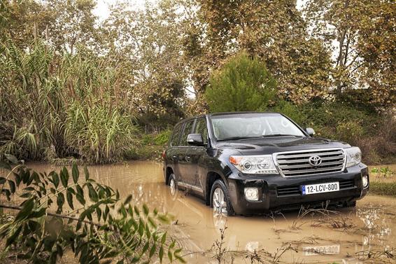 Land Cruiser V8 mud