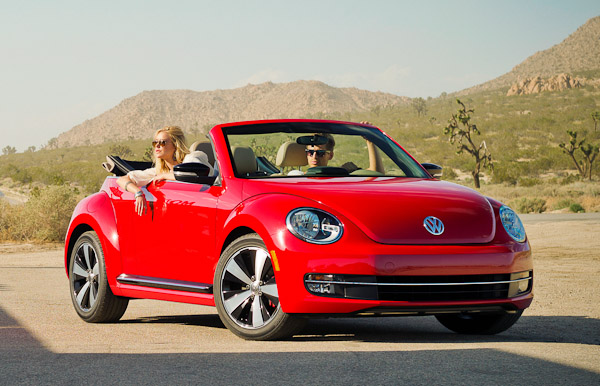 2013 vw beetle cabriolet five things you need to know. Black Bedroom Furniture Sets. Home Design Ideas