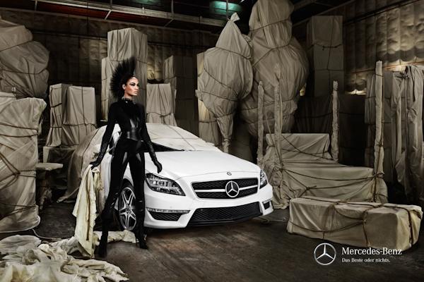 Mercedes fashion week berlin carwow for Mercede benz fashion week