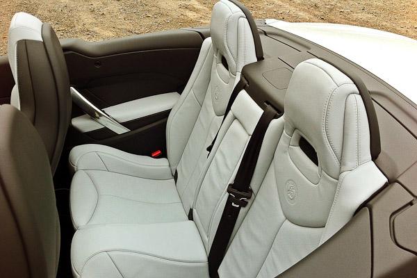 Peugeot 308 CC Roland Garros Interior
