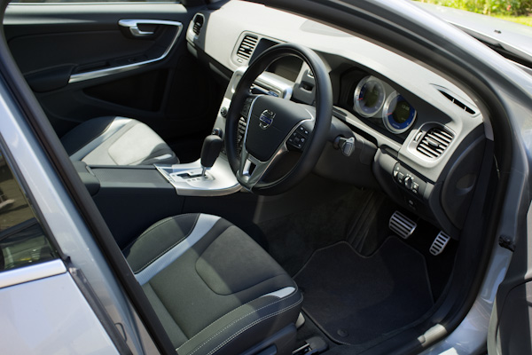 Volvo S60 Dashboard