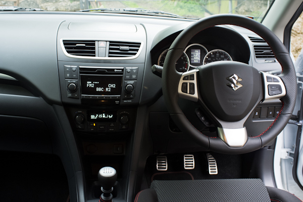 Suzuki Swift Sport dash