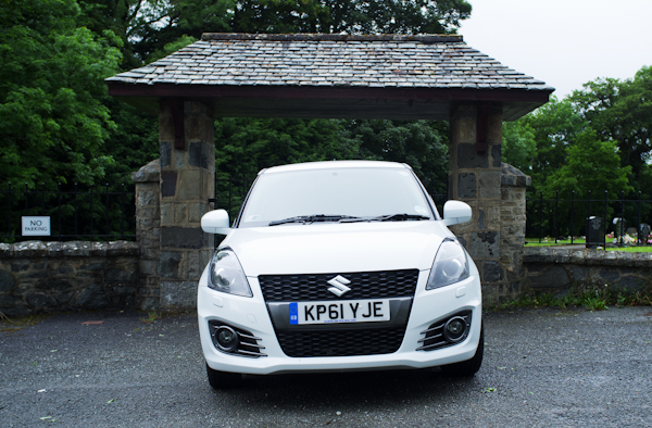 Suzuki Swift Sport Front white