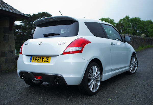 Exterior Suzuki Swift Sport white