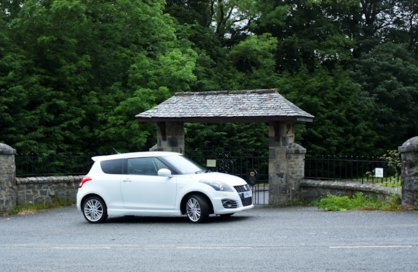 Suzuki Swift Side View White