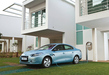 Renault-fluence-ze-blue-front-on